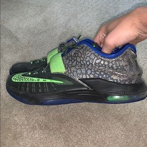 KD 7 electric eel size 8